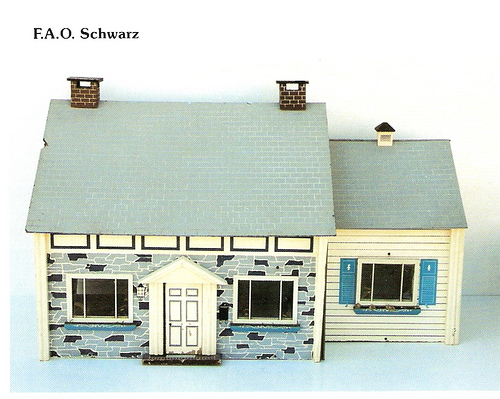 Issue 5 Jun 2010 P 4 Dolls Houses Past Present