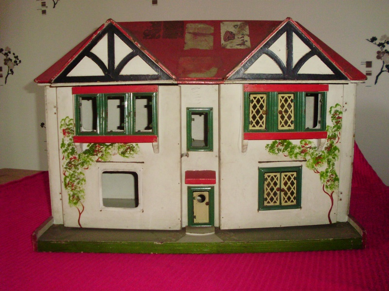 Mystery Houses... - Dolls\' Houses Past & Present