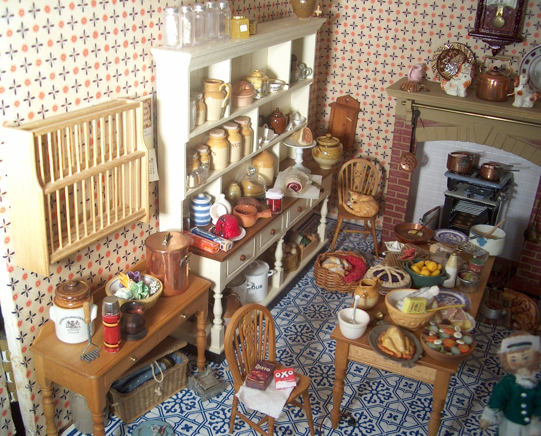 Jane Newman A Profile By Rosemary Myers Dolls Houses Past Present House Wiring I First Met When She Took Stall In The Mid 1980s On Craft Market Cambridge Where Used To Sell My Work