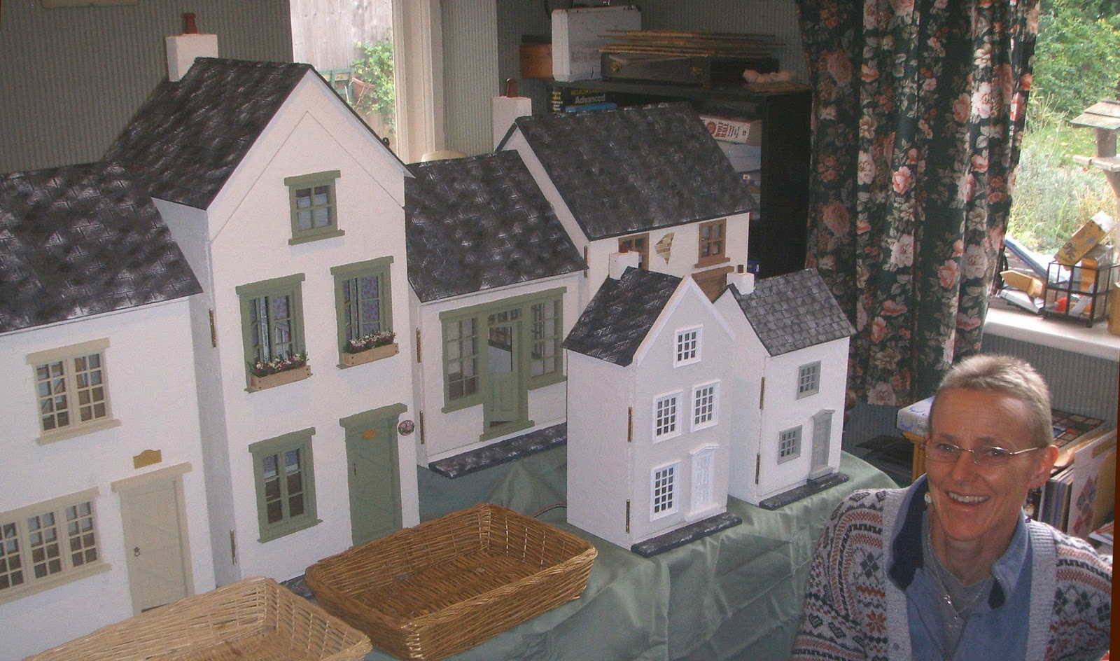 DOLLS HOUSE Handcrafted  =  TAKE A BREAK  MAGAZINE