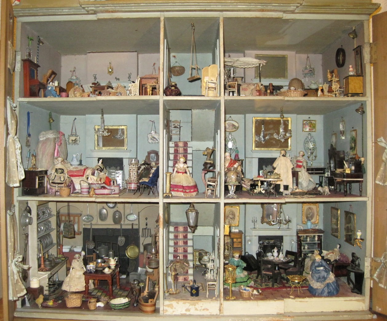 Nov - Angela Bulteel - Dolls\' Houses Past & Present